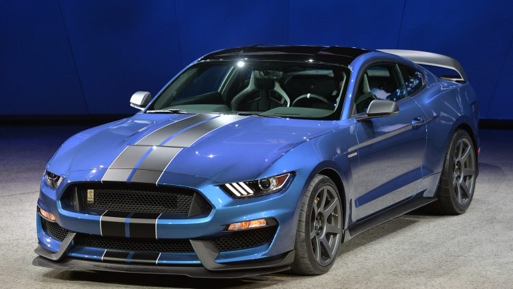 03-2016-shelby-gt350r-detroit-1
